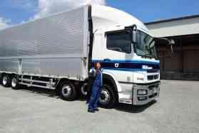 女性も安心して働けます!4tトラックドライバーのお仕事!アルミ製品・4t専属 トラックドライバー津北