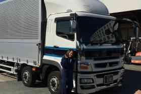 工場作業員で転職をお考えの方へ魅力を大公開!!4tトラックドライバーのお仕事です!☆金属製品・4t専属 トラックドライバー(夜)